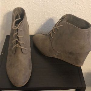 Arizona jeans suede boots